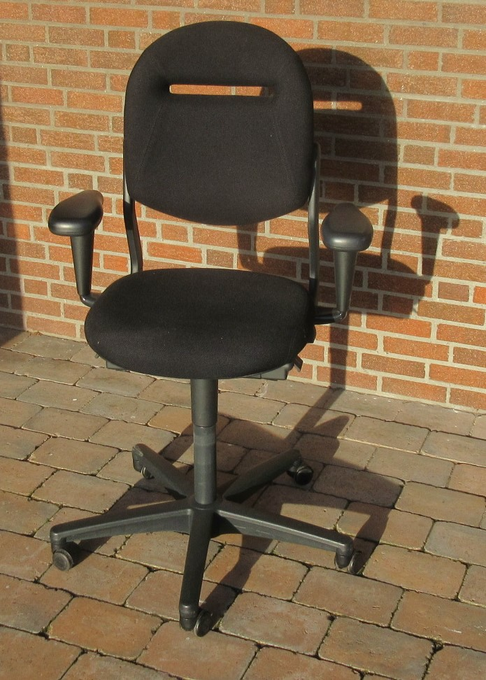 Bureaustoel Met Armleuning.Zwarte Bureaustoel Met Armleuning 2 Hillmoor Nl